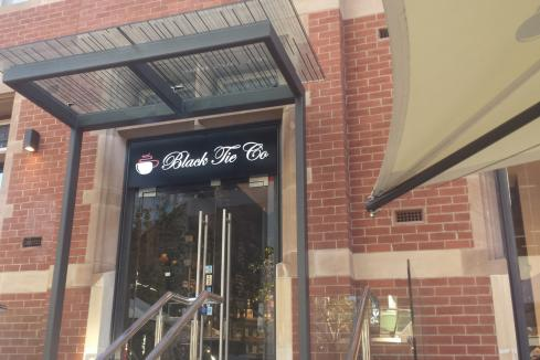 Cafes close in ATO battle