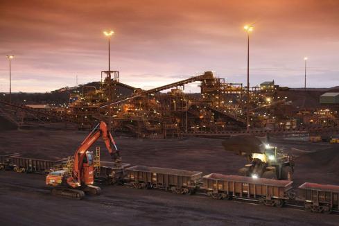 MinRes loads first ore at Koolyanobbing