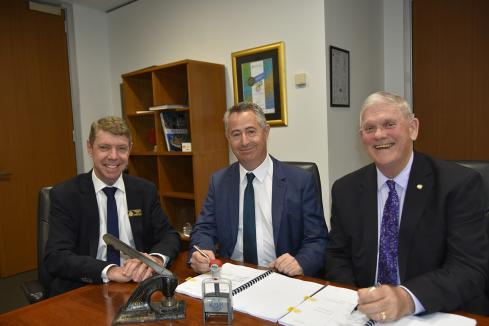 $400m waste plant signs supply deal