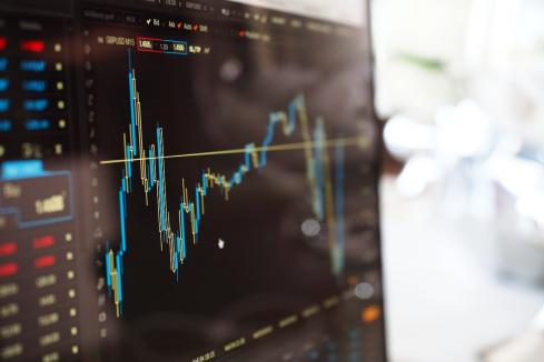 Share registry forecasts 14.3% profit fall