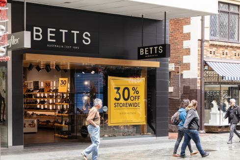Betts pulls on boots for recovery