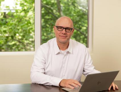 iCetana signs Hartleys for IPO