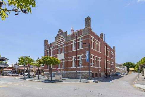 Government seeks developers for Freo, Scarbs landmarks