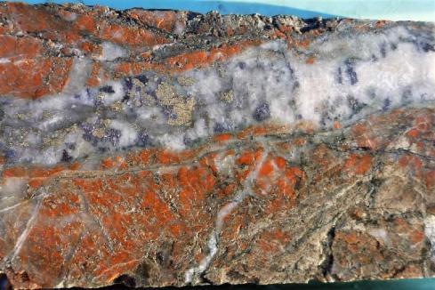 Indiana dives into Lake Labyrinth gold drilling