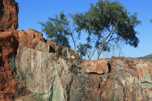 Middle Island expands holding over NT copper-gold play