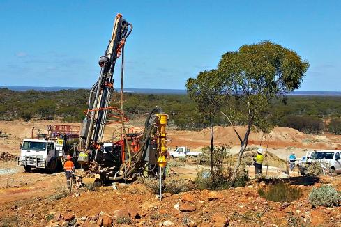 Bonanza gold drill hits at Horizon satellite deposit