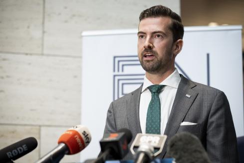 Kirkup seeks check on Labor's control
