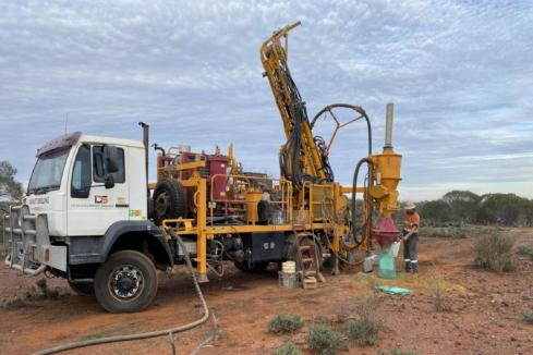 Assays awaited for suspended CZR Mid West gold hunt