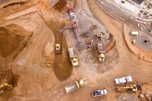 Strike selects contractors for Pilbara iron ore mine