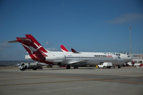 Qantas 'right model' on workplace vaccines
