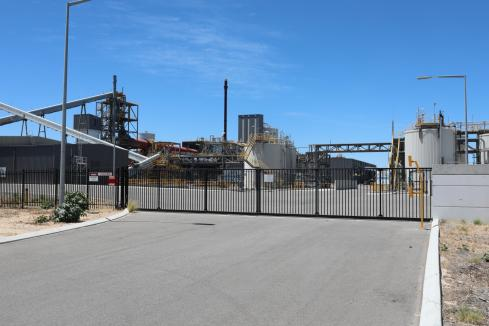 Lithium refinery starts production