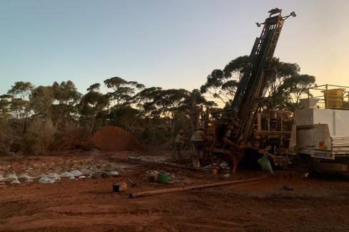 Metal Hawk hits nickel grade with WA massive sulphides strike