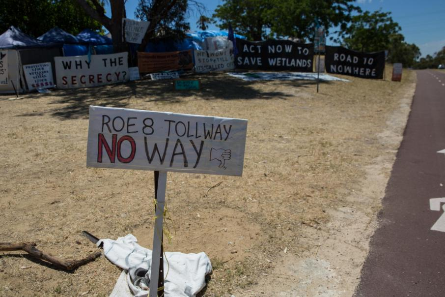 Feds firm on Roe 8 funds
