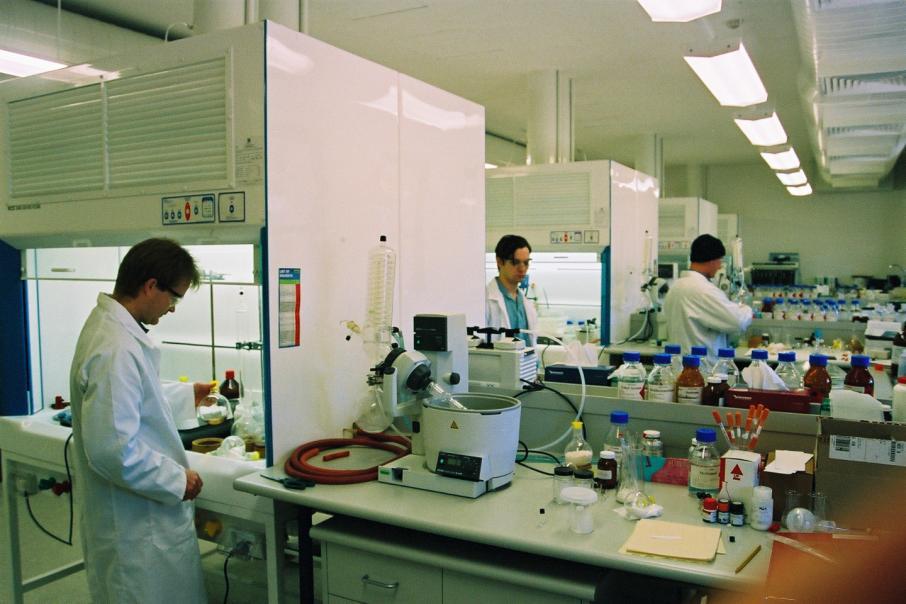 PharmAust hits milestone in anti-cancer drug reformulation