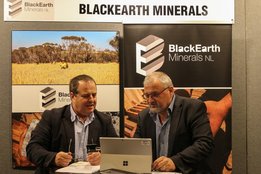 BlackEarth Minerals time graphite float perfectly
