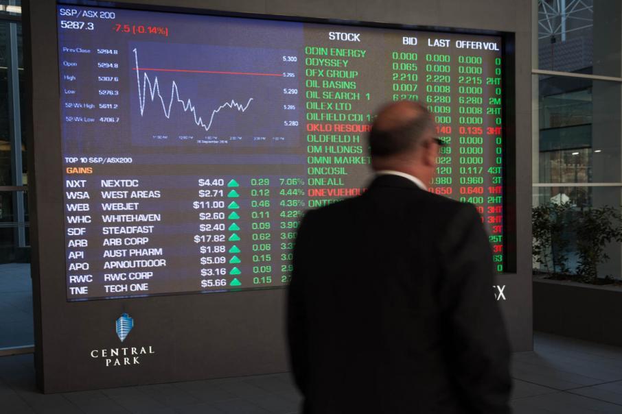 Aust shares fall on finance, tech stocks