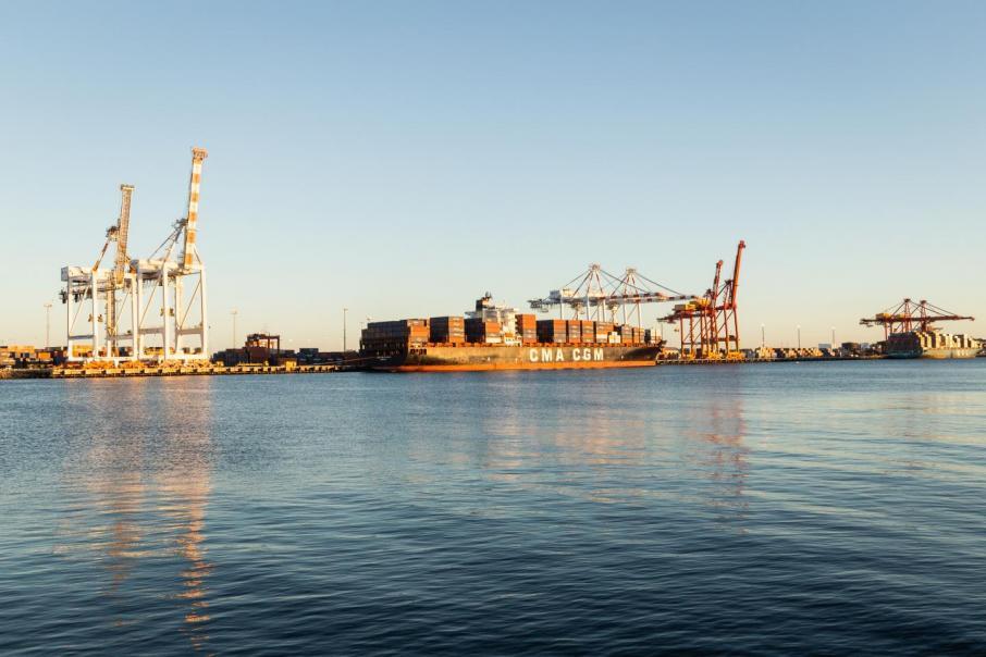 Marine choreography belies heavy haulage