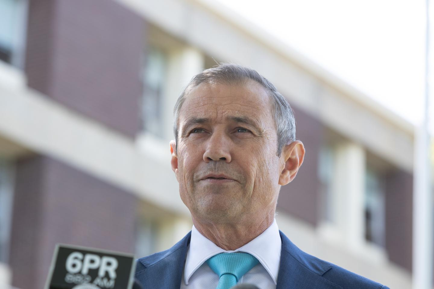 WA clamps down on arrivals from Vic, NSW