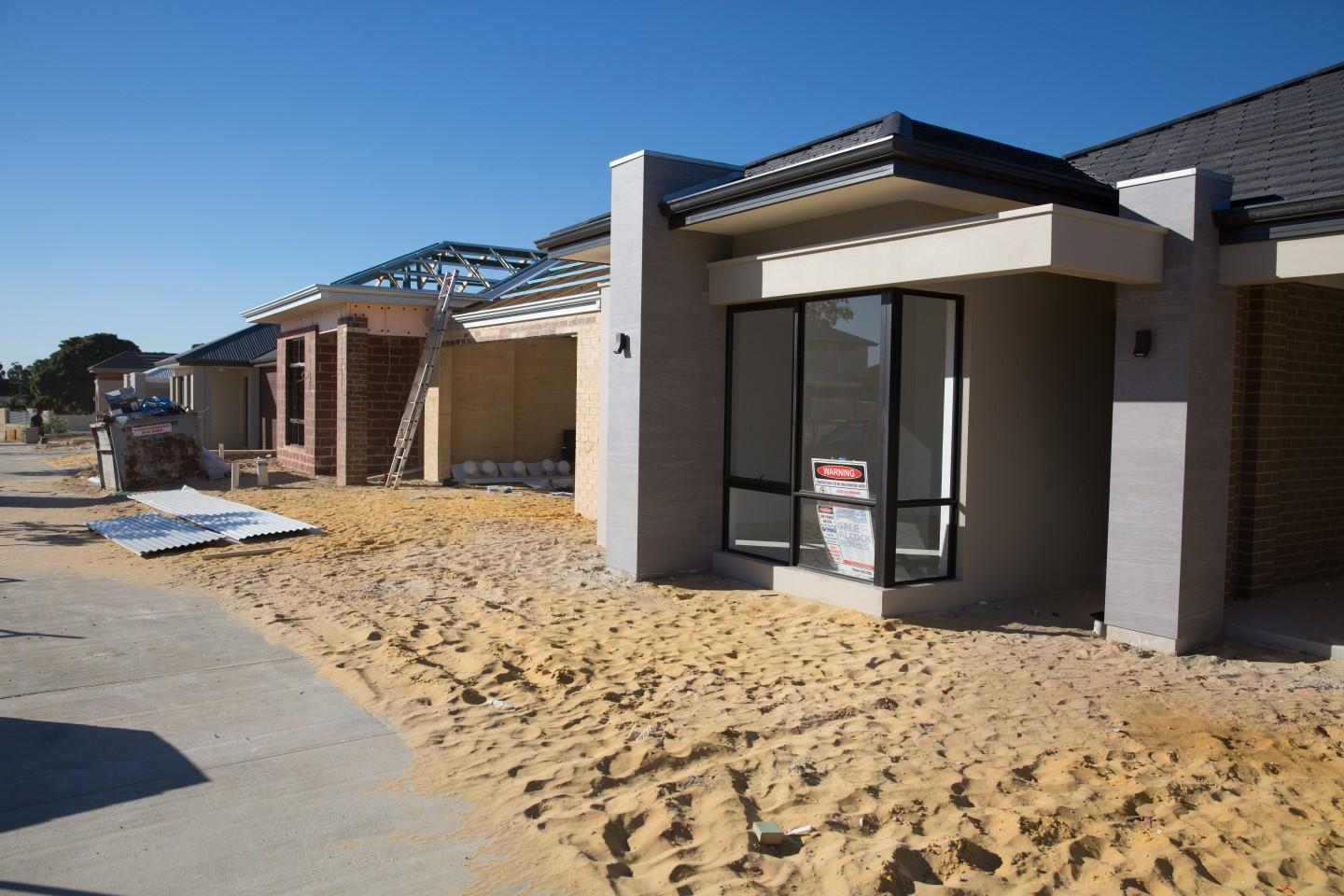 WA bright spot in building approvals fall