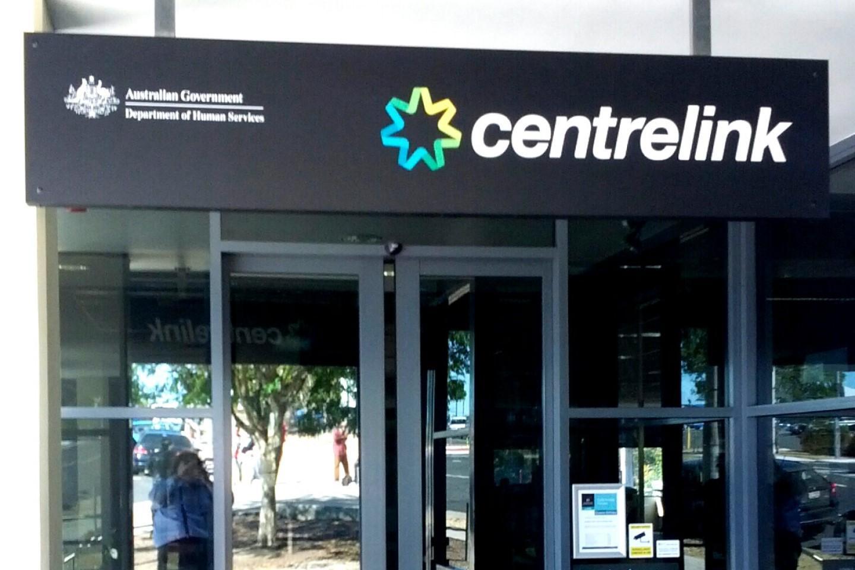 Centrelink debt recovery scheme to resume
