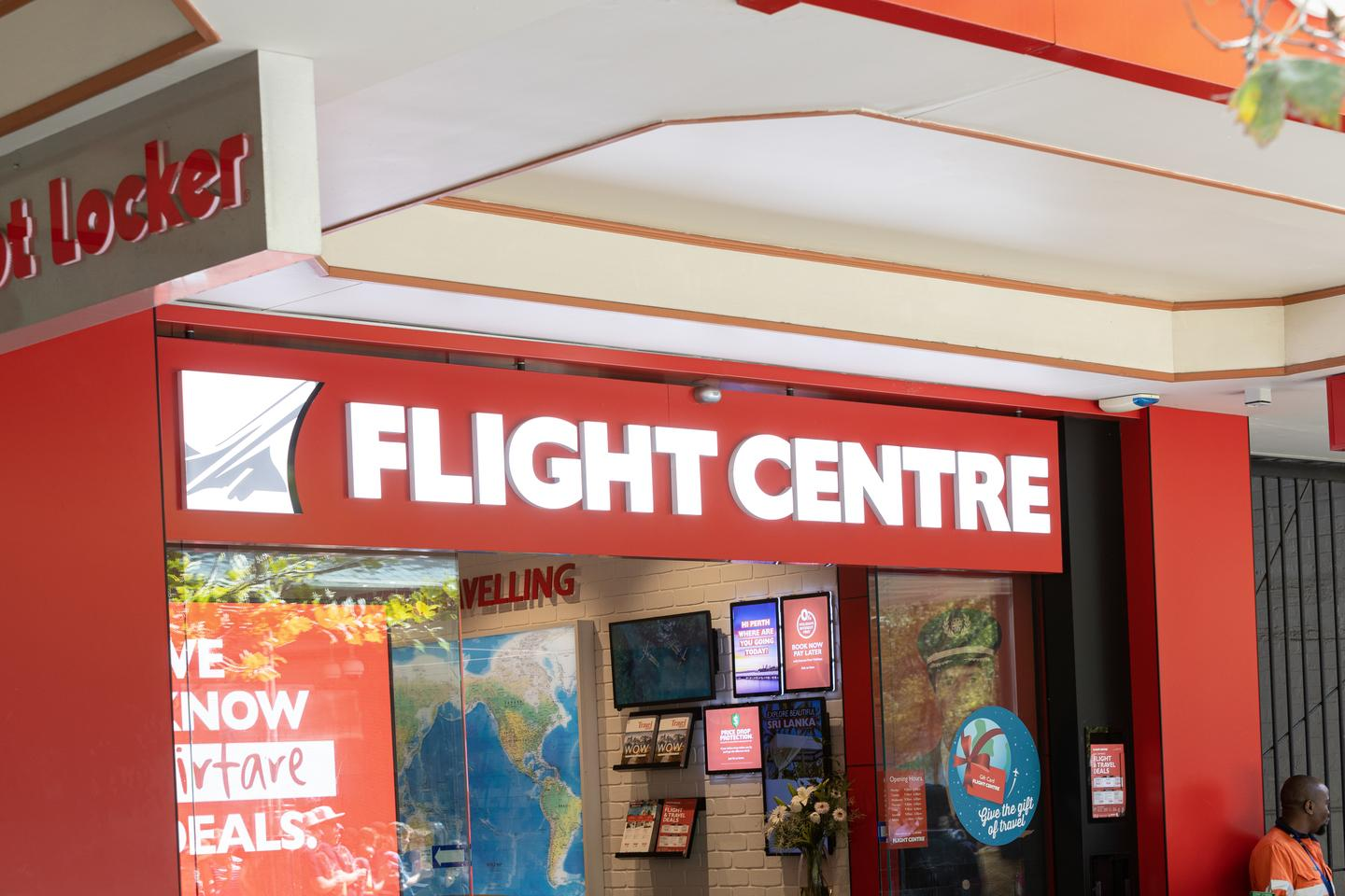 Flight Centre to close another 90 shops