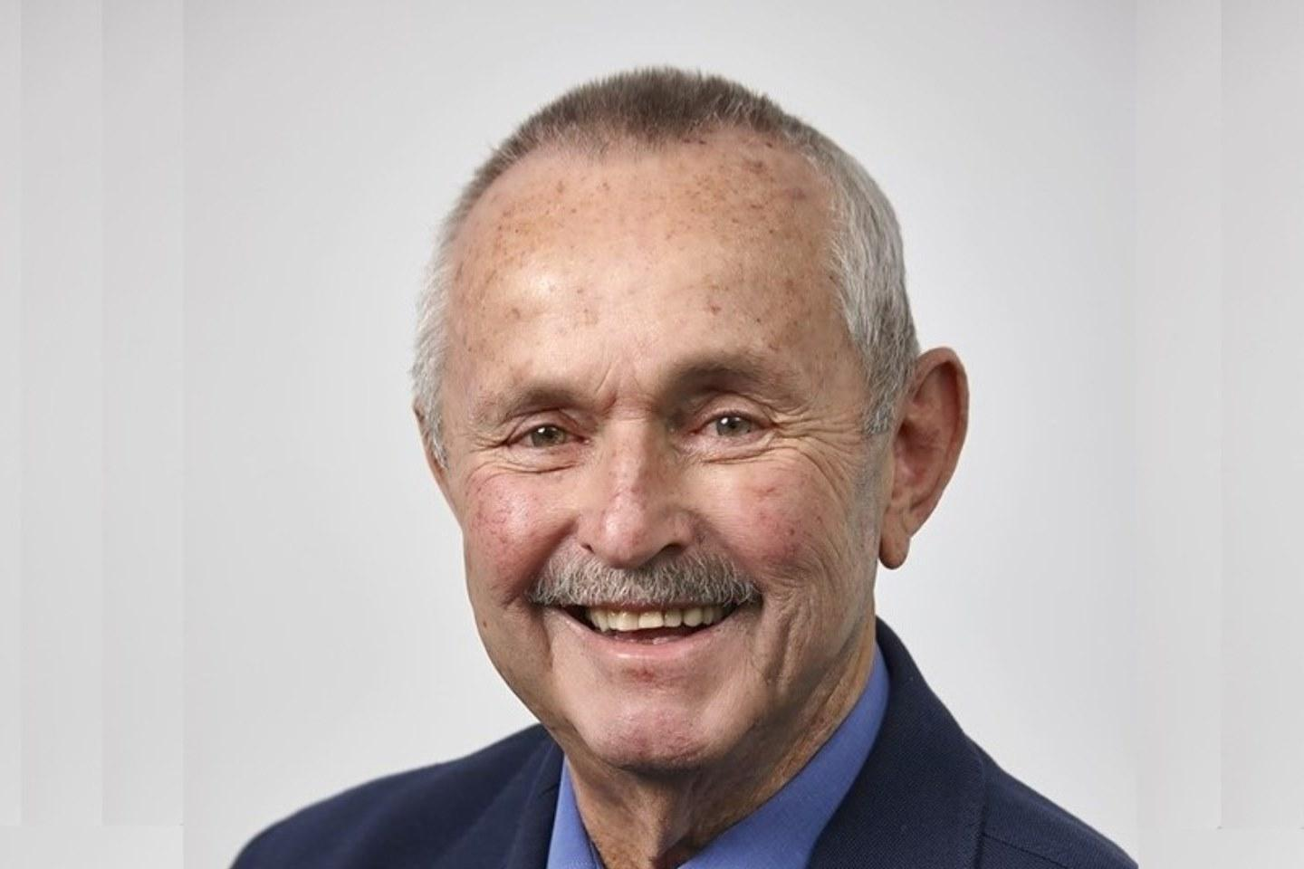 Mining industry farewells Barry Patterson