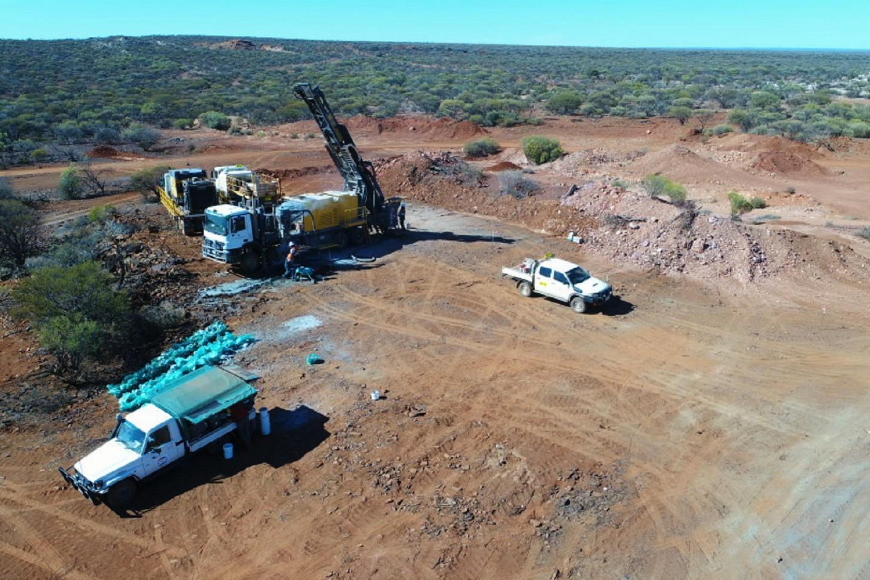 Emu strikes gold in Gnows Nest maiden drill program